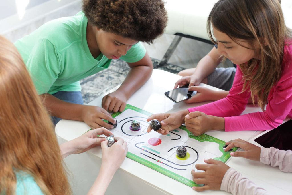 Ozobot kids learning to program