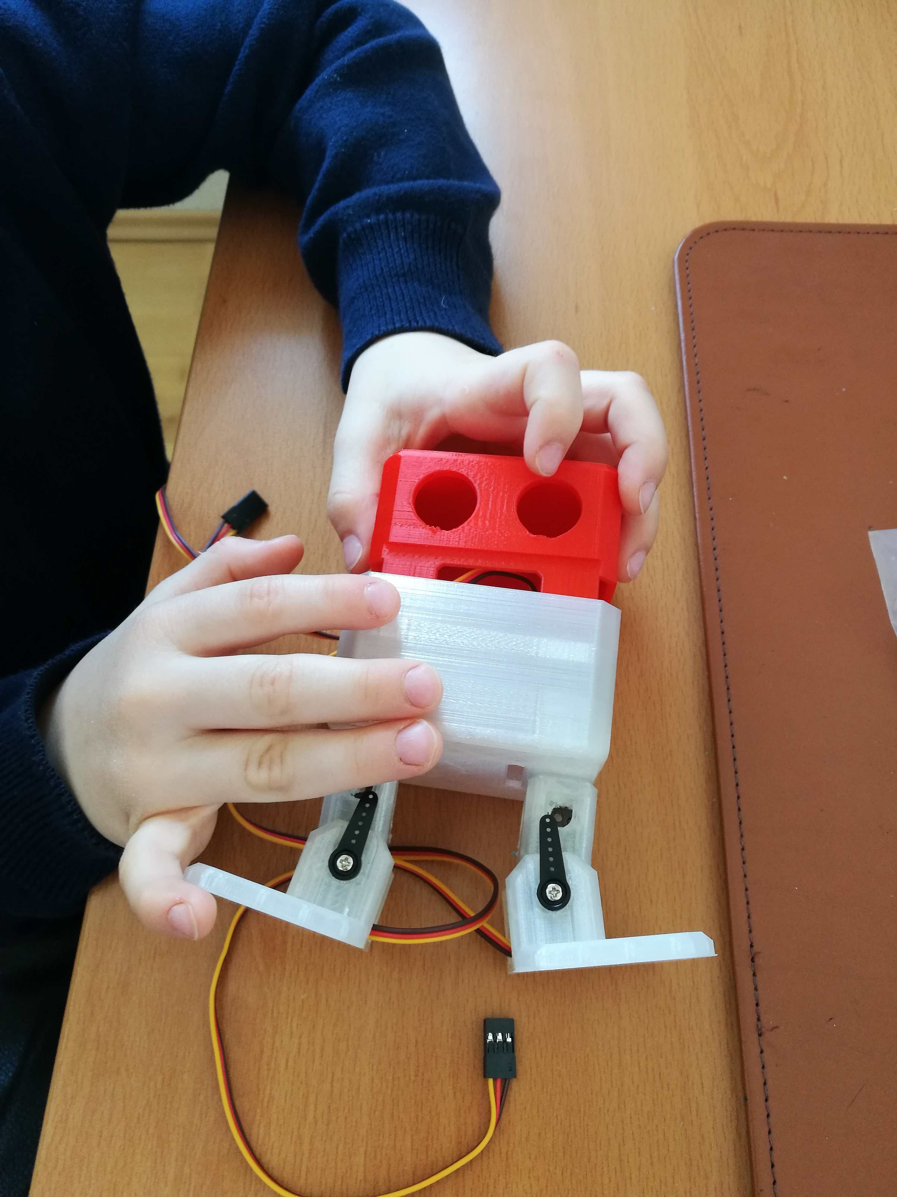 Teach your Kids to code: Build your own OttoDIY robot | Smartlab